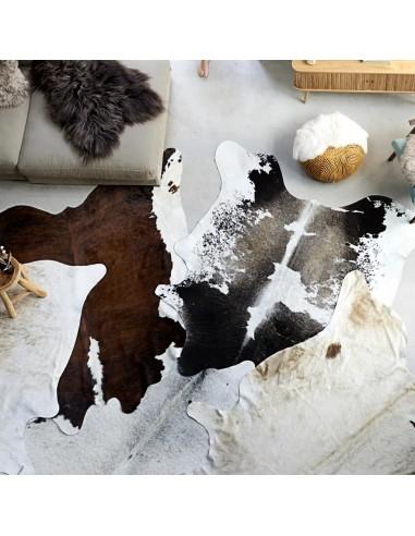 Natūralios karvės odos kilimas, juodos ir baltos sp., 150x170cm   Kilimėliai   duodu.lt